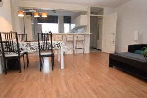 Bekijk appartement te huur in Beverwijk Trijntje Kemp-Haanstraat, € 1110, 100m2 - 380636. Geïnteresseerd? Bekijk dan deze appartement en laat een bericht achter!