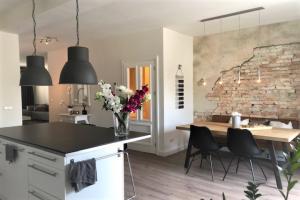 Bekijk appartement te huur in Bussum Herenstraat, € 1600, 100m2 - 374290. Geïnteresseerd? Bekijk dan deze appartement en laat een bericht achter!