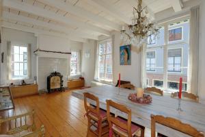 Bekijk woning te huur in Leiden Langebrug, € 1595, 132m2 - 292006. Geïnteresseerd? Bekijk dan deze woning en laat een bericht achter!