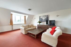 Bekijk appartement te huur in Amsterdam Hoofdweg, € 1990, 90m2 - 386977. Geïnteresseerd? Bekijk dan deze appartement en laat een bericht achter!