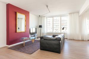 Bekijk appartement te huur in Den Haag G. Deynootweg, € 1395, 100m2 - 358529. Geïnteresseerd? Bekijk dan deze appartement en laat een bericht achter!
