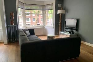 Bekijk appartement te huur in Amsterdam Van Tuyll van Serooskerkenweg, € 2250, 76m2 - 372302. Geïnteresseerd? Bekijk dan deze appartement en laat een bericht achter!