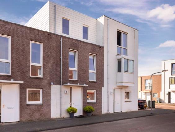 Te huur: Woning Lokistraat, Almere - 12