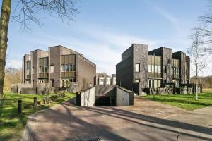 Bekijk woning te huur in Eindhoven Bosleeuwerik, € 1585, 190m2 - 336518. Geïnteresseerd? Bekijk dan deze woning en laat een bericht achter!