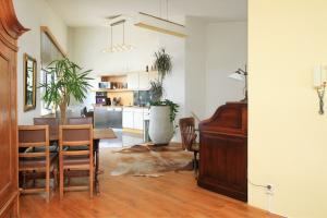 Bekijk appartement te huur in Apeldoorn Linie, € 1175, 120m2 - 400396. Geïnteresseerd? Bekijk dan deze appartement en laat een bericht achter!