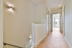 Bekijk appartement te huur in Amsterdam Cornelis Schuytstraat, € 3500, 106m2 - 392929. Geïnteresseerd? Bekijk dan deze appartement en laat een bericht achter!