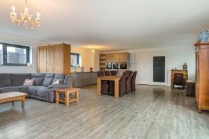 Bekijk appartement te huur in Utrecht Oldenburgerhof, € 1695, 143m2 - 387161. Geïnteresseerd? Bekijk dan deze appartement en laat een bericht achter!