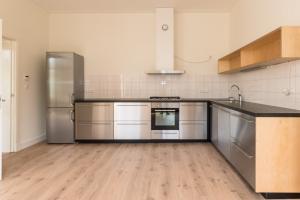 Bekijk appartement te huur in Amsterdam Overtoom, € 2250, 120m2 - 368194. Geïnteresseerd? Bekijk dan deze appartement en laat een bericht achter!