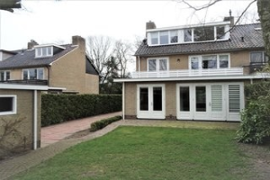 Bekijk woning te huur in Huizen Estrikweg, € 2500, 182m2 - 337169. Geïnteresseerd? Bekijk dan deze woning en laat een bericht achter!