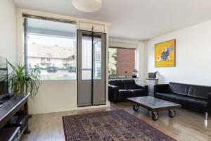 Bekijk appartement te huur in Den Haag Lage Nieuwstraat, € 1350, 75m2 - 338774. Geïnteresseerd? Bekijk dan deze appartement en laat een bericht achter!