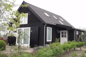 View house for rent in Zennewijnen Bredestraat, € 1000, 100m2 - 367714. Interested? check out this house and leave a message!