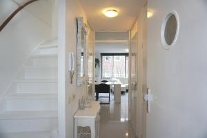 Bekijk appartement te huur in Den Haag Palaceplein, € 1450, 65m2 - 360458. Geïnteresseerd? Bekijk dan deze appartement en laat een bericht achter!