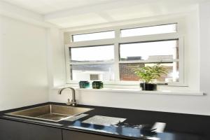 Bekijk appartement te huur in Den Haag Assendelftstraat, € 1495, 58m2 - 392700. Geïnteresseerd? Bekijk dan deze appartement en laat een bericht achter!