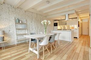 Bekijk appartement te huur in Amsterdam Herengracht, € 2800, 100m2 - 355280. Geïnteresseerd? Bekijk dan deze appartement en laat een bericht achter!