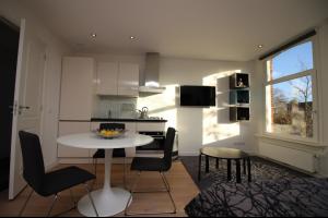 Bekijk studio te huur in Amsterdam Marnixstraat, € 1250, 27m2 - 310318. Geïnteresseerd? Bekijk dan deze studio en laat een bericht achter!