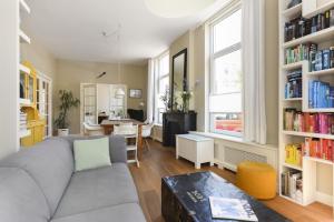 Bekijk appartement te huur in Den Haag Columbusstraat: Gerenoveerd appartement - € 1850, 99m2 - 355099