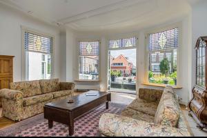 Bekijk woning te huur in Rotterdam Straatweg, € 4500, 400m2 - 282796. Geïnteresseerd? Bekijk dan deze woning en laat een bericht achter!