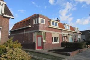 Bekijk woning te huur in Bergen Op Zoom Antwerpsestraatweg, € 900, 95m2 - 360369. Geïnteresseerd? Bekijk dan deze woning en laat een bericht achter!