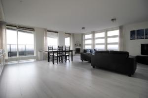 Bekijk appartement te huur in Amsterdam Ecuplein, € 1450, 100m2 - 358388. Geïnteresseerd? Bekijk dan deze appartement en laat een bericht achter!