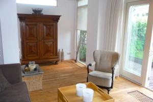 Bekijk woning te huur in Almere Minnellistraat, € 1750, 140m2 - 384791. Geïnteresseerd? Bekijk dan deze woning en laat een bericht achter!