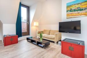 Bekijk appartement te huur in Amsterdam Sint Nicolaasstraat, € 2450, 80m2 - 394732. Geïnteresseerd? Bekijk dan deze appartement en laat een bericht achter!