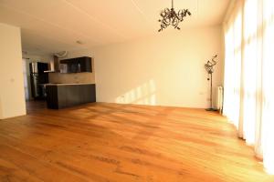 Bekijk woning te huur in Leeuwarden Zijlroede, € 1100, 110m2 - 355665. Geïnteresseerd? Bekijk dan deze woning en laat een bericht achter!