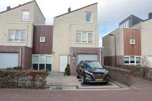 Bekijk woning te huur in Hoofddorp Bep van Klaverenstraat, € 2000, 150m2 - 361974. Geïnteresseerd? Bekijk dan deze woning en laat een bericht achter!