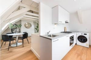 Bekijk appartement te huur in Amsterdam Singel, € 2050, 75m2 - 393559. Geïnteresseerd? Bekijk dan deze appartement en laat een bericht achter!