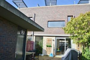 Bekijk woning te huur in Delft L.v.V.d. Gaag, € 1795, 120m2 - 360132. Geïnteresseerd? Bekijk dan deze woning en laat een bericht achter!