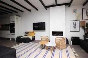 Bekijk appartement te huur in Amsterdam Overtoom, € 3950, 175m2 - 382288. Geïnteresseerd? Bekijk dan deze appartement en laat een bericht achter!