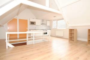 Bekijk appartement te huur in Den Haag Beeklaan, € 720, 40m2 - 359012. Geïnteresseerd? Bekijk dan deze appartement en laat een bericht achter!