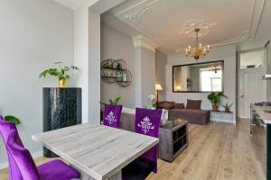 Bekijk appartement te huur in Den Haag Koningin Emmakade, € 1595, 78m2 - 380450. Geïnteresseerd? Bekijk dan deze appartement en laat een bericht achter!