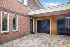 View house for rent in Lelystad Het Bildt, € 1800, 156m2 - 379424. Interested? check out this house and leave a message!