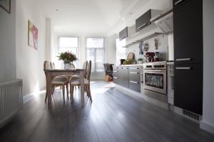 Bekijk appartement te huur in Amsterdam Overtoom, € 1850, 72m2 - 372908. Geïnteresseerd? Bekijk dan deze appartement en laat een bericht achter!