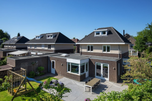View house for rent in Vught Verlengde Kampdijklaan, € 1995, 186m2 - 379185. Interested? check out this house and leave a message!