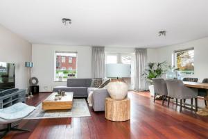 Bekijk appartement te huur in Enschede Bilderdijkstraat, € 1400, 150m2 - 350424. Geïnteresseerd? Bekijk dan deze appartement en laat een bericht achter!