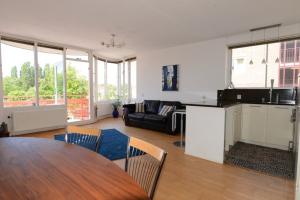 Bekijk appartement te huur in Amsterdam Laagte Kadijk, € 2150, 59m2 - 370910. Geïnteresseerd? Bekijk dan deze appartement en laat een bericht achter!