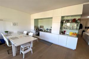 Bekijk appartement te huur in Amsterdam Keizersgracht, € 2495, 100m2 - 389837. Geïnteresseerd? Bekijk dan deze appartement en laat een bericht achter!