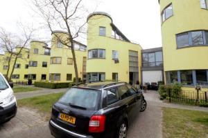 Bekijk woning te huur in Almere Chartreusestraat, € 1595, 172m2 - 302133. Geïnteresseerd? Bekijk dan deze woning en laat een bericht achter!