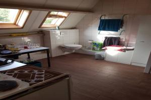 Bekijk studio te huur in Hellevoetsluis Smitsweg, € 750, 25m2 - 354812. Geïnteresseerd? Bekijk dan deze studio en laat een bericht achter!
