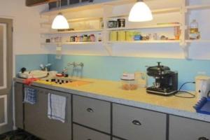 Bekijk appartement te huur in Amsterdam Groenburgwal, € 1675, 82m2 - 377285. Geïnteresseerd? Bekijk dan deze appartement en laat een bericht achter!