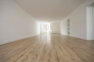 Bekijk appartement te huur in Den Haag Lage Nieuwstraat, € 1425, 78m2 - 368788. Geïnteresseerd? Bekijk dan deze appartement en laat een bericht achter!