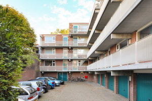 View apartment for rent in De Bilt Dorpsstraat vo Steenstraat, € 840, 64m2 - 382470. Interested? check out this apartment and leave a message!