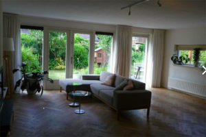 View house for rent in Almere Hartenveld, € 1900, 165m2 - 384792. Interested? check out this house and leave a message!