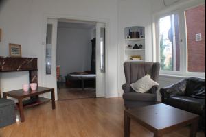 Bekijk studio te huur in Apeldoorn Nieuwstraat, € 535, 27m2 - 290618. Geïnteresseerd? Bekijk dan deze studio en laat een bericht achter!