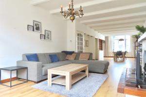 Bekijk appartement te huur in Den Haag Van Beuningenstraat, € 2200, 137m2 - 396947. Geïnteresseerd? Bekijk dan deze appartement en laat een bericht achter!