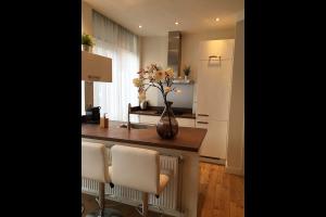 Bekijk appartement te huur in Schiedam Professor Kamerlingh Onneslaan, € 1050, 40m2 - 312122. Geïnteresseerd? Bekijk dan deze appartement en laat een bericht achter!