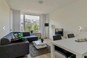 Bekijk appartement te huur in Rotterdam Mariniersweg, € 1395, 74m2 - 380198. Geïnteresseerd? Bekijk dan deze appartement en laat een bericht achter!