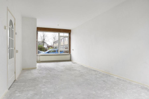 View house for rent in Hoogvliet Rotterdam Willem Leevendstraat, € 850, 84m2 - 370616. Interested? check out this house and leave a message!