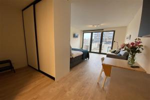 Bekijk studio te huur in Amsterdam IJdoornlaan, € 1250, 40m2 - 381723. Geïnteresseerd? Bekijk dan deze studio en laat een bericht achter!